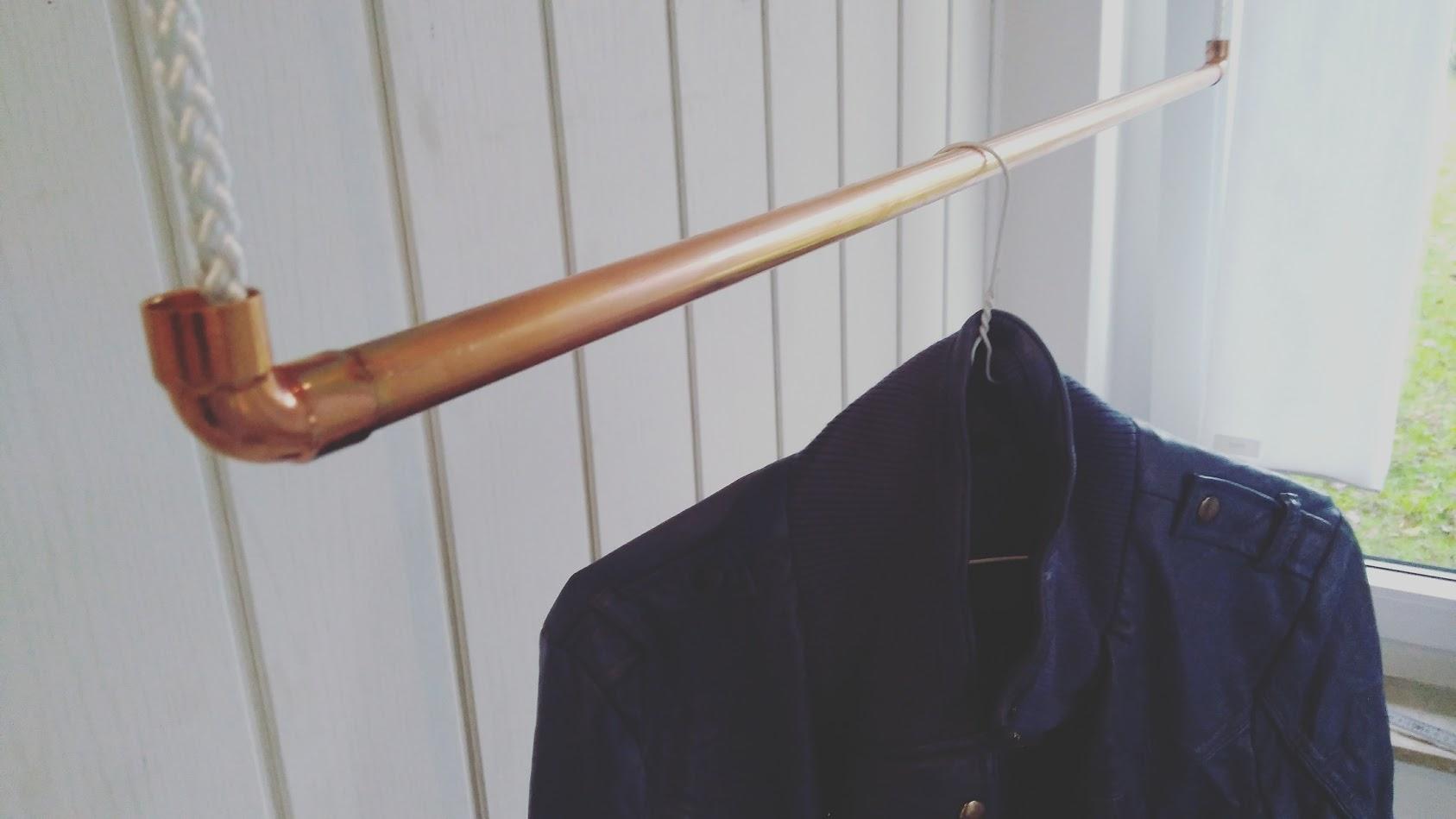 100 cm Premium Design Kleiderstange, Garderobenstange, aus Kupfer und Baumwollseil (weiß) hängend, D
