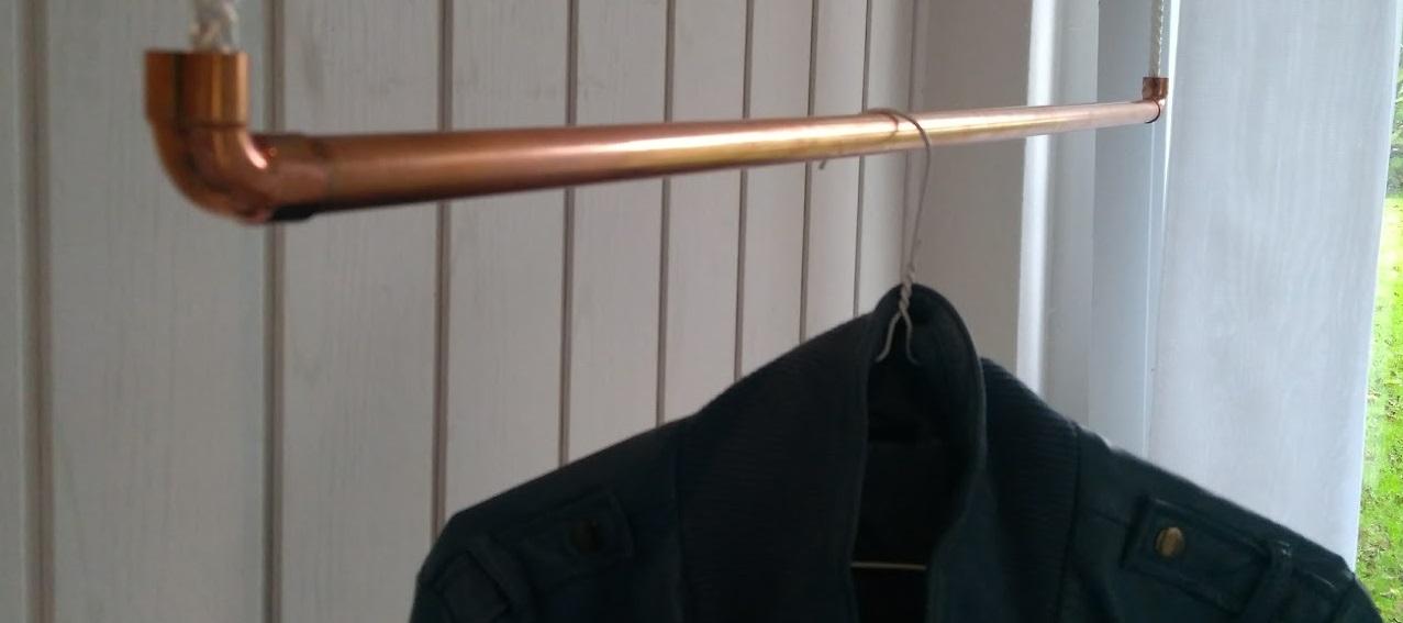 120 cm Premium Design Kleiderstange, Garderobenstange, aus Kupfer und Baumwollseil (weiß) hängend, D